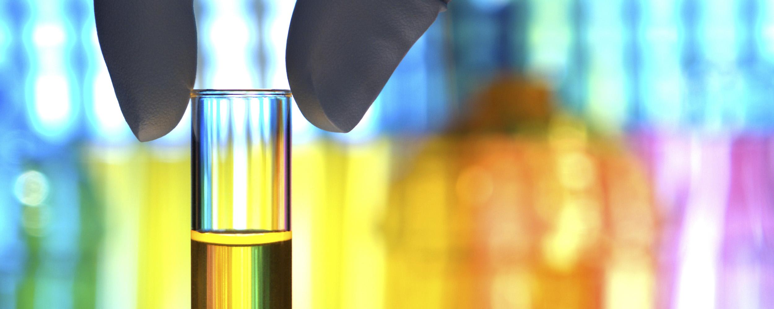 Chemisch_olie_kleiner